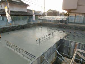 ベースコンクリート打設完了